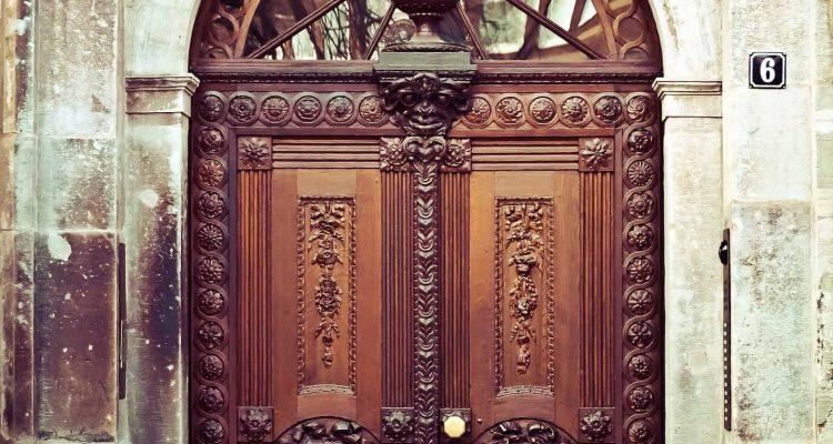 door-1124125_1920
